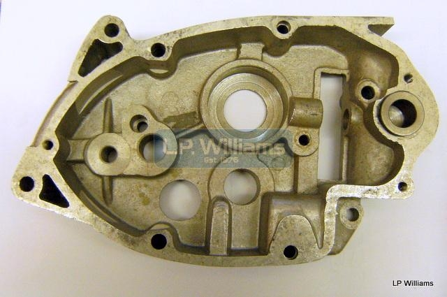 Inner gearbox cover RH g/c